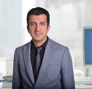 Dr.-Farshad-Mowlazadeh