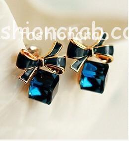 Crystal-Box-Cute-Bow-Fashion-Earrings-for-Women
