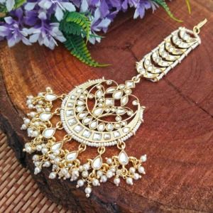 Kundan Maangtikka with Pearl String