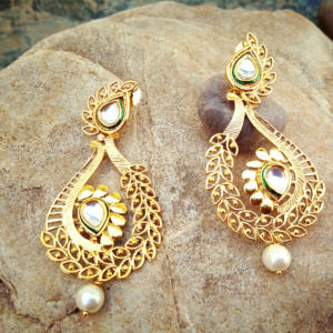 Golden Kundan Earring with Pearl