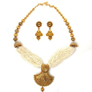 Golden Necklace Set with Beads for Women