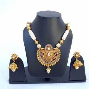Golden Necklace Set with Pearls for Women