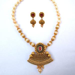 Pearl Golden Color Necklace Set
