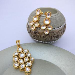 High Quality Ethnic Kundan Pendant Earring Set for Women