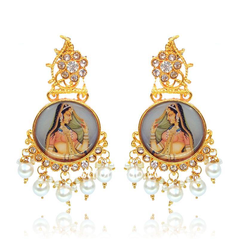 Maharani Golden Digital Earrings