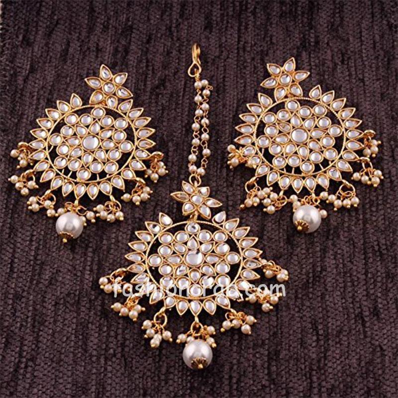 Traditional Kundan Maang Tikka with Earrings