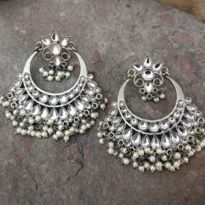 Black Metal Kundan Stone Pearl Earring