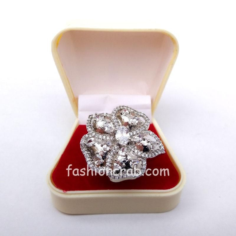 Silver Flower Cubic Zirconia Finger Ring for Ladies