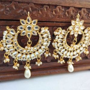 Chandbali Kundan Earring with Pearl