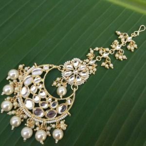 Kundan Studded MaangTikka Embellished With Pearl
