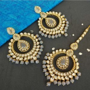 Grey Colour Kundan Earring with Maangtikka