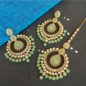 Light Green Colour Kundan Earring with Maangtikka