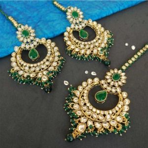Dark Green Floral Pearl Earring with Maang tikka Set