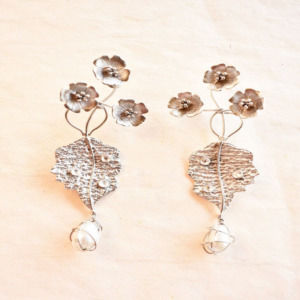 Floral metallic jewellery