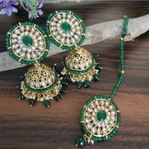 Green Kundan Jhumka with Maangtikka for Bride