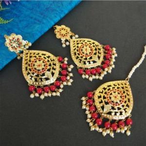 Maroon Pearl Jadau Punjabi Earrings with Maang Tikka for Wedding