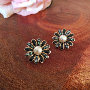 Black Flower Pearl Stud Earring