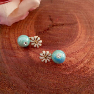 Blue Pearl Flower Stud Earrings