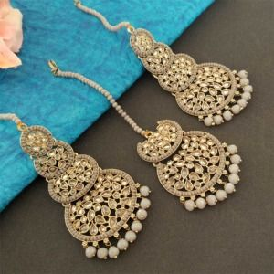 Grey Pearl Kundan Stone Maangtikka Earring Set for Dulhan