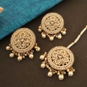 Round White Color Maang Tikka Set with Earring for Women