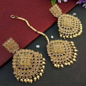 Cream Pearl Polki Maang Tikka Set with Earring for Wedding