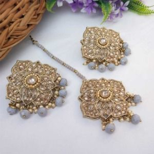 Grey Colour Stud Earrings with Maang Tikka for Party