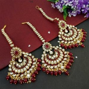 Maroon Colour Bridal Kundan Maang Tikka with Earrings