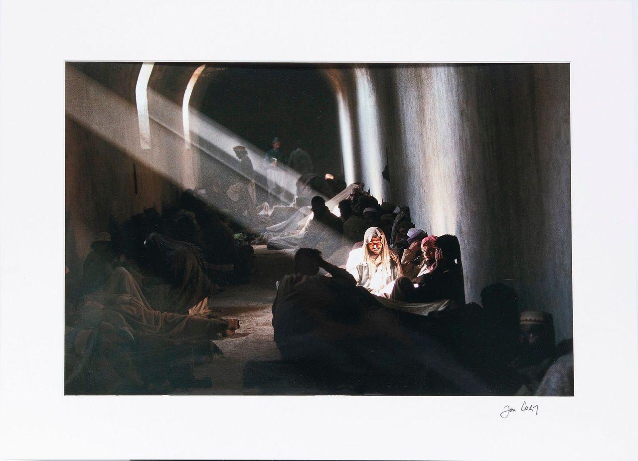 Signovaná fotografie vpaspartě 30 x 45 cm