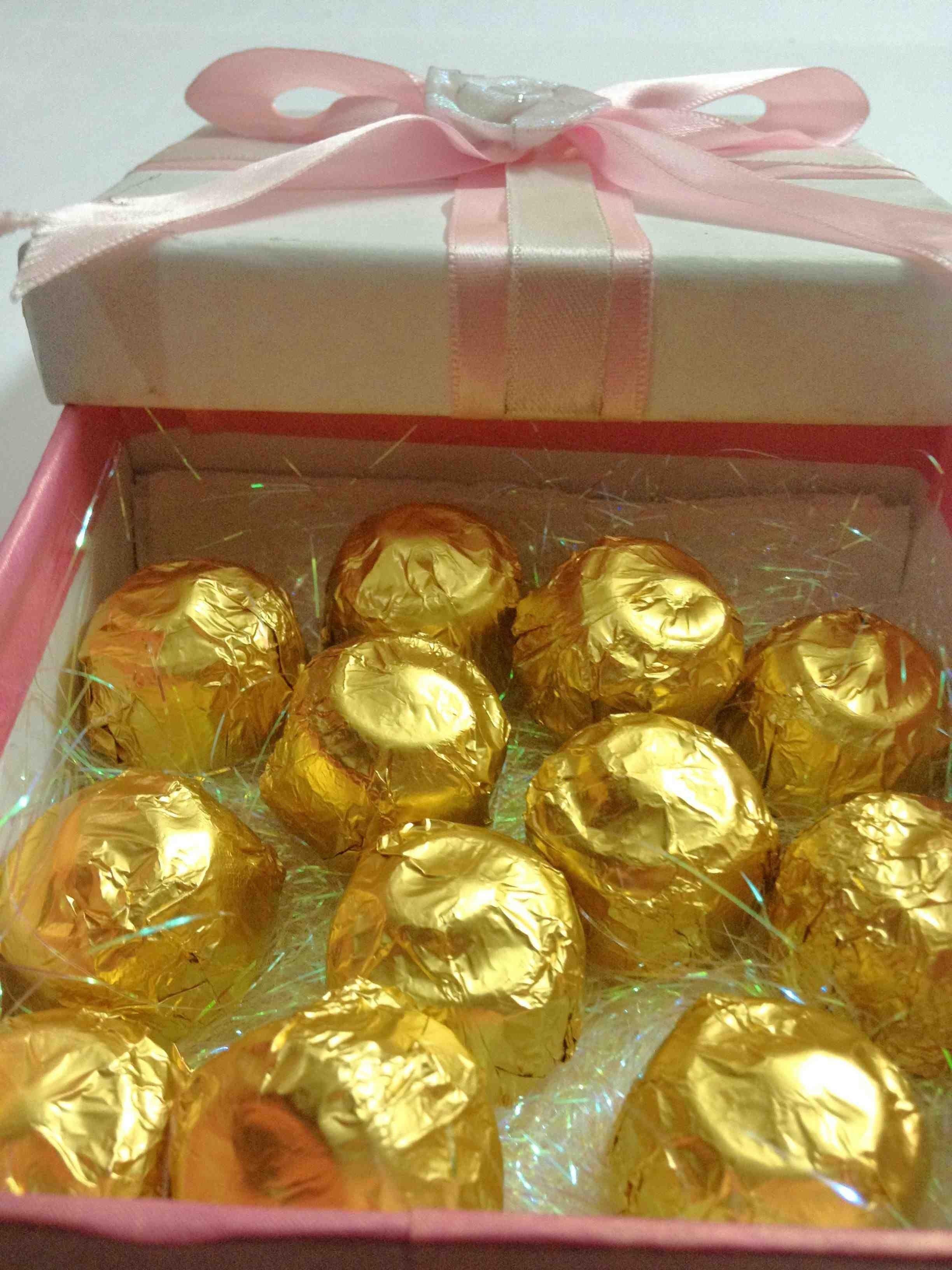Dark Ivory Cocoa Gift Box 12 Pieces