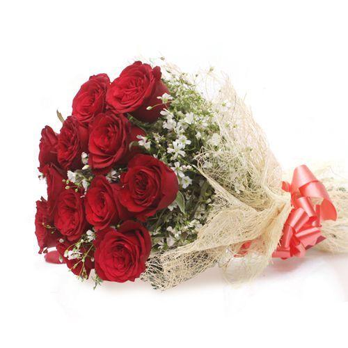 Dozen of Roses - In Jute Wrap