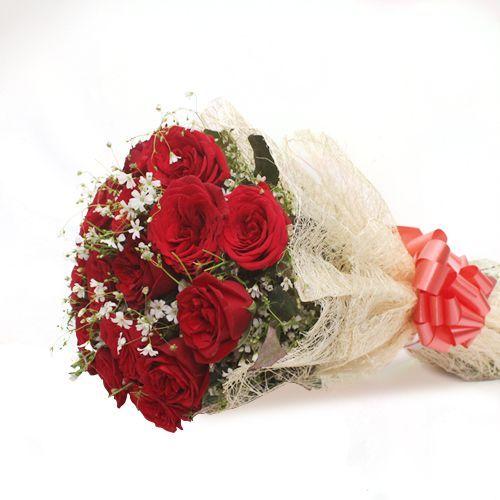 Lovely Roses Bunch - In Jute Wrap