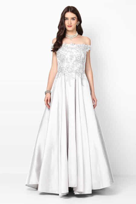 Rent Gowns - Gowns on Rental Online | Flyrobe