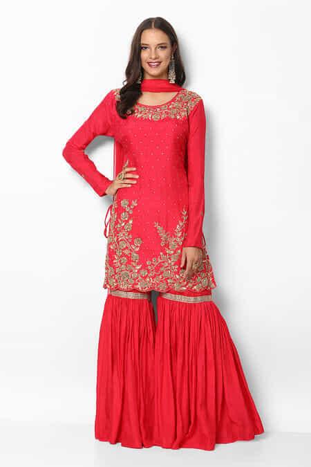 a3a6bc184760 Rent Sharara Suits - Sharara Suits on Rental Online | Flyrobe