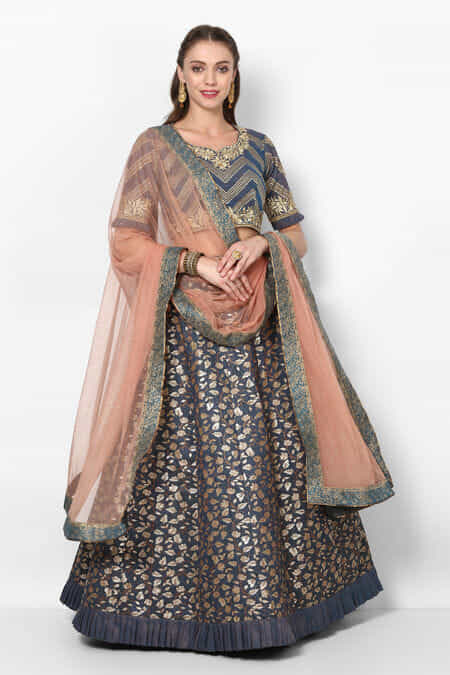 d37c71925d Lehenga for Womens Wedding - Rent Latest Designer Lehenga Choli ...