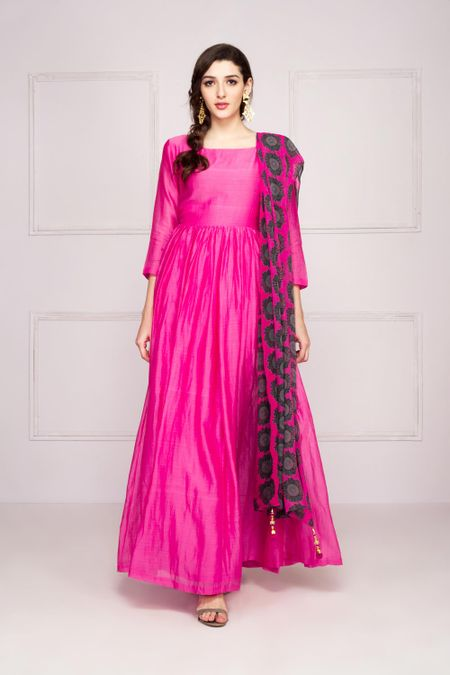 710cafc069d9 Rent Maxi Dresses  Women Branded Maxi Dresses Online in India ...