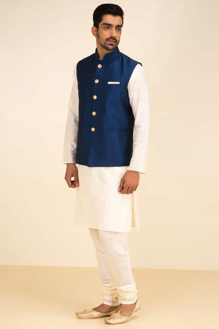 Rent Mehendi Outfits for Men, Embroidered Sherwanis, Plain
