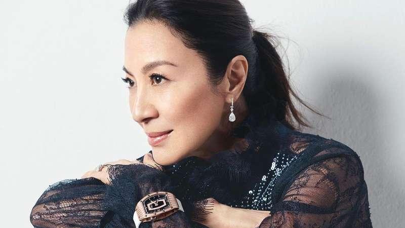Jadi Peri Sakti Ahli Pedang Michelle Yeoh Siap Tebar Maut