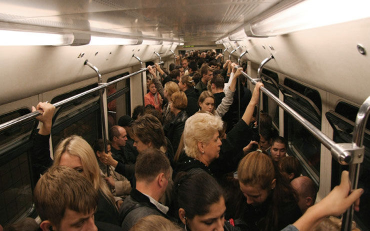 Запоминаем людей в метро