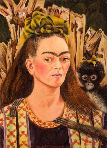 No quadro Autorretrato com macaco, de 1945, Frida retrata o macaquinho pequeno, magro e peludo, como ela própria.