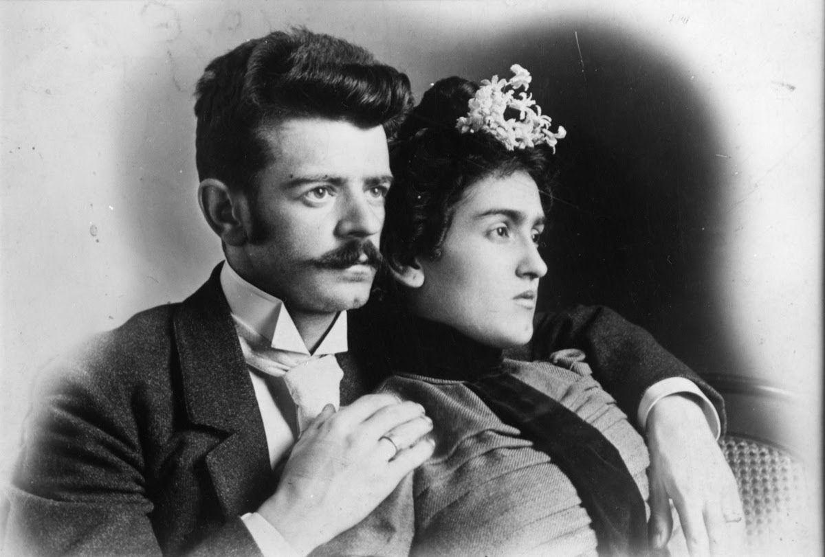 Em 1890, após a morte de sua mãe e casamento de seu pai com uma mulher de quem não gostava, Carl se mudou para o México
