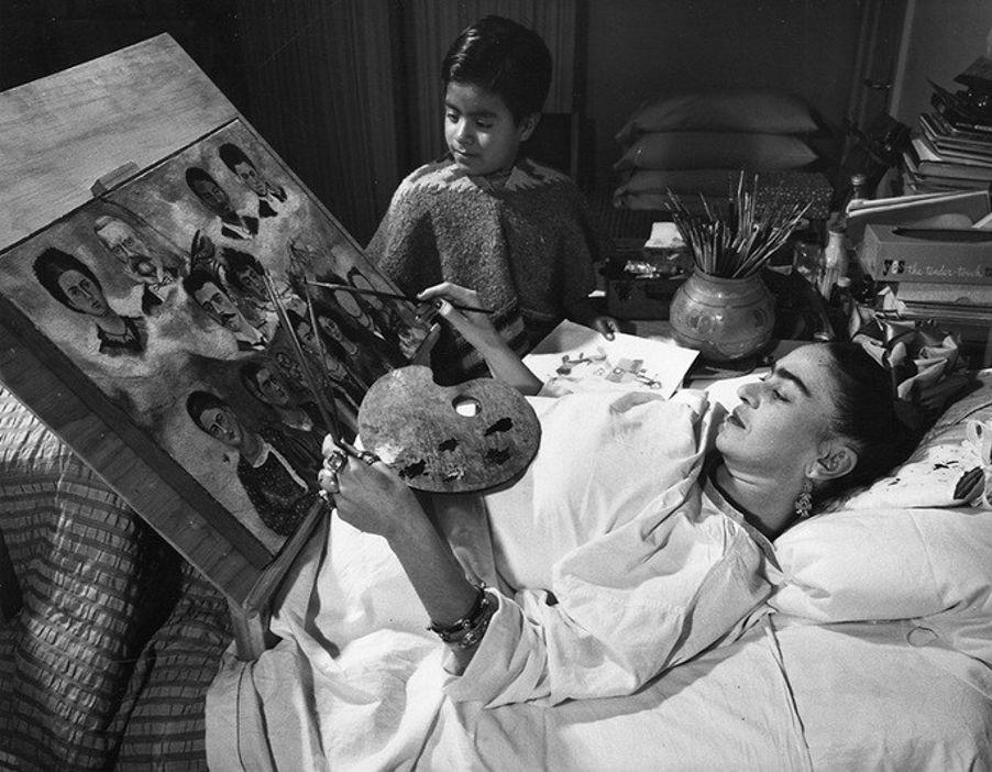 Frida também foi responsável por levar arte às crianças menos favorecidas e por servir de inspiração a seus alunos a fundarem um grupo com o mesmo objetivo.