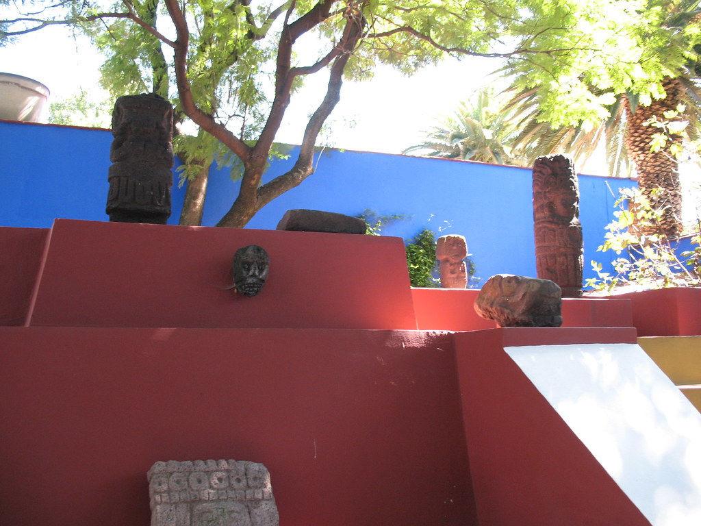 Exposição de trabalho no Museu da Frida Kahlo, a famosa Casa Azul onde viveu a artista.