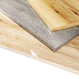 Szafki w lakierowanym drewnodekorze
