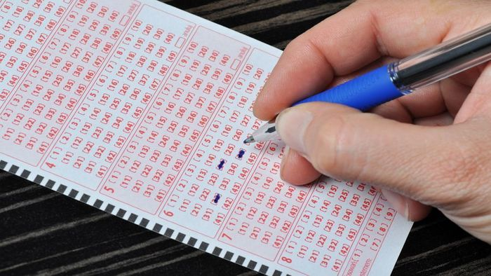 Choosing Your Lotto Numbers: Is It Luck or Strategy?