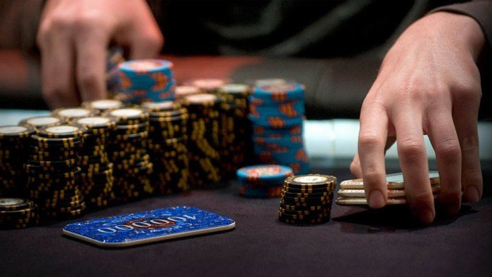 Cash Games Vs. Poker Tournaments: Which Fits You Best?
