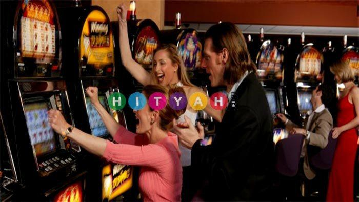 6 Reasons Why People Love Playing Online Slots