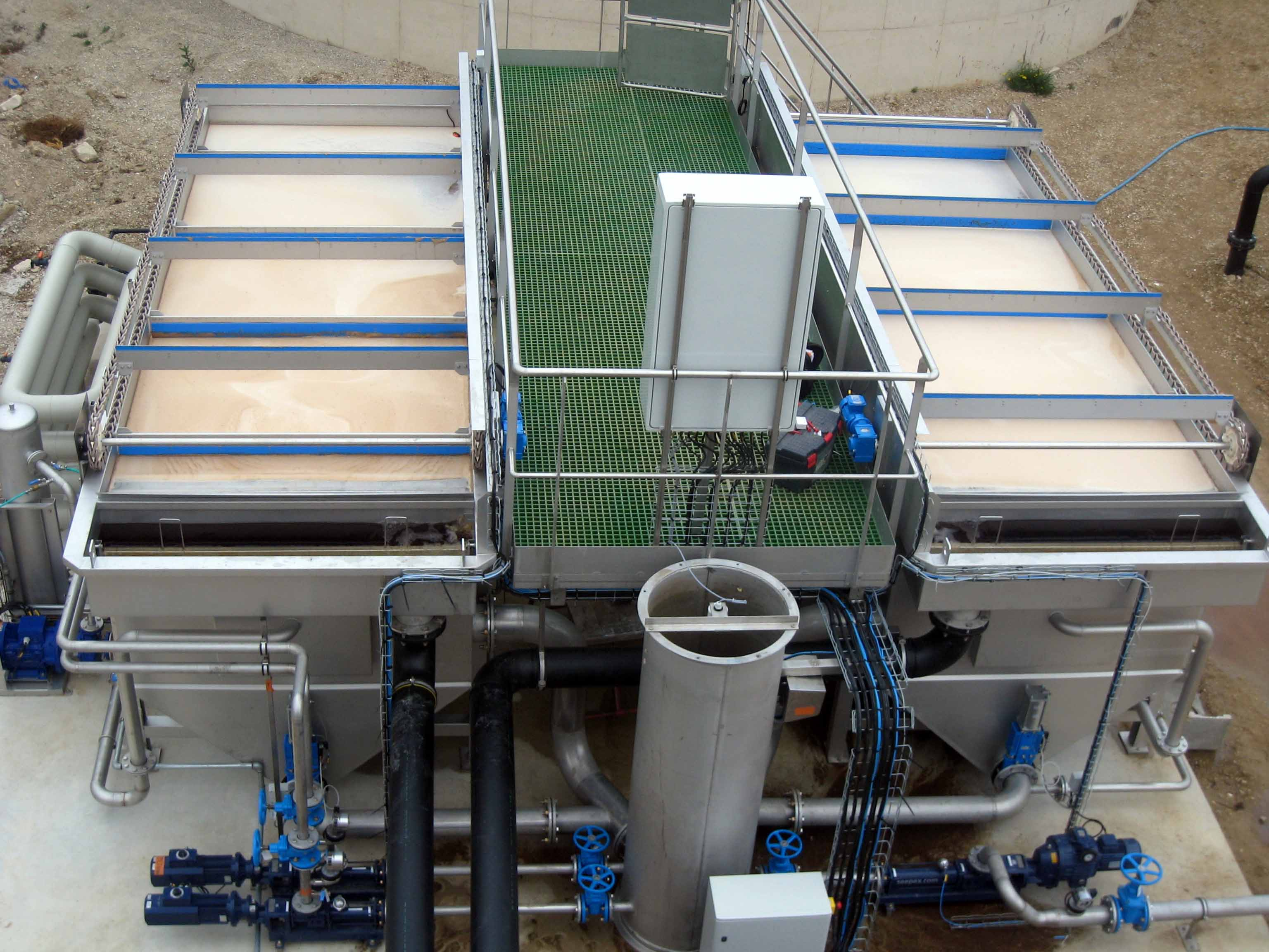 picture of a Dissolved Air Flotation (DAF) wastewater treatment system
