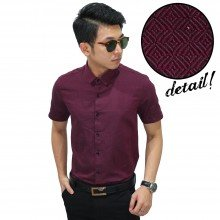 Kemeja Formal Herringbone Diamond Burgundy