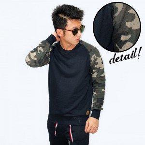 Sweatshirt With Camo Sleeve Black