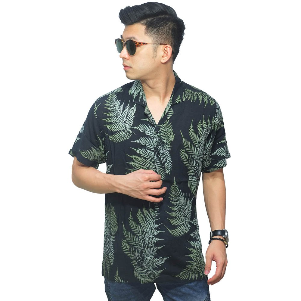 Hawaii T-Shirt dan Kemeja Hawaii